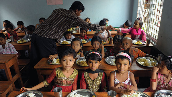 Bangladesh Children Eating Lunch at Center