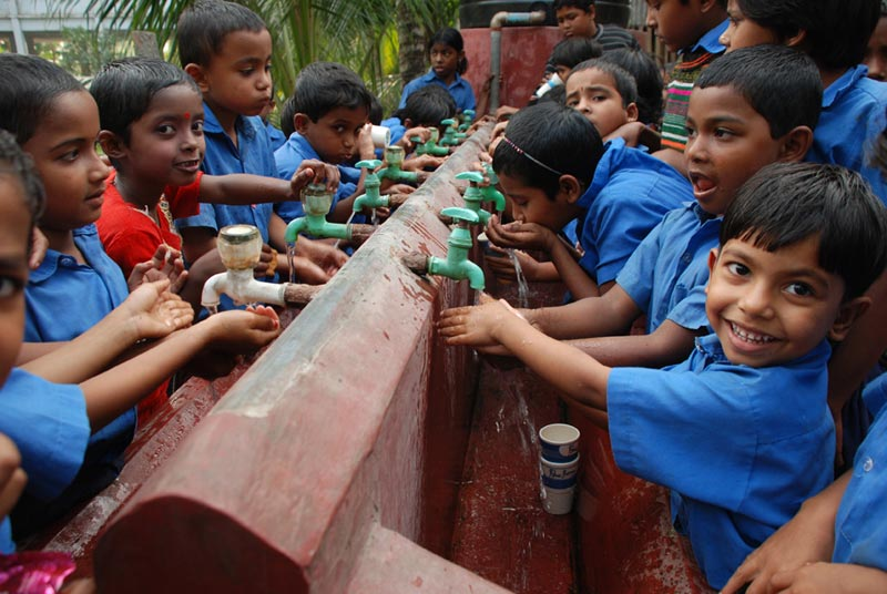Bangladesh Children Washing Hands