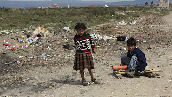 Bolivia children playing on road