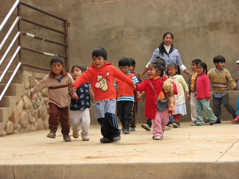 Bolivia children running