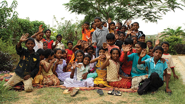 East India children waving