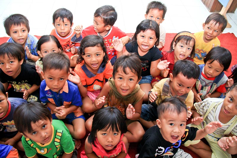 East Indonesia children looking up
