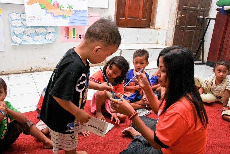 East Indonesia children painting
