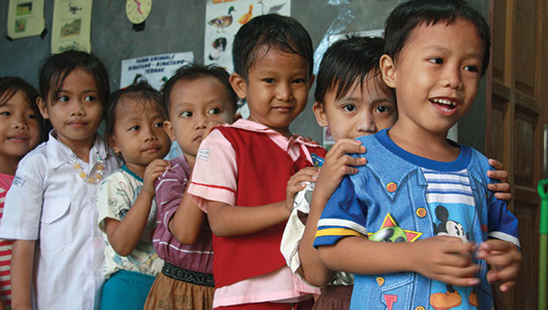 East Indonesia young children lined up