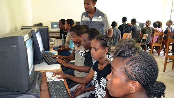 Ethiopia Children at Computers