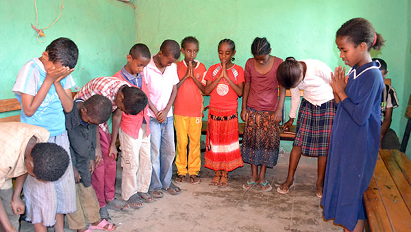 Ethiopia Children Praying