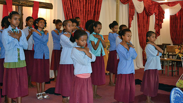 Ethiopia Girls Choir Performing