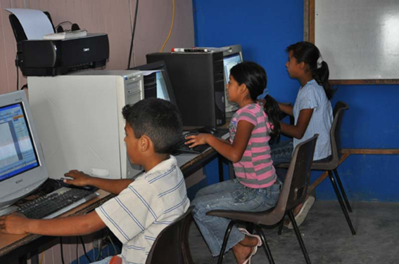 Honduras Children at Computers