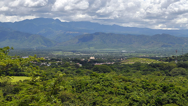 Honduras Green Countryside and Mountains