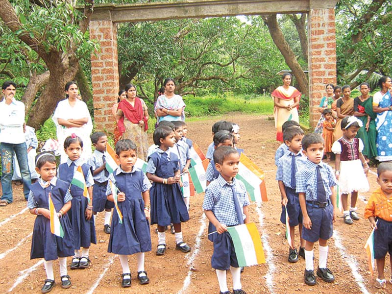 India children in uniform