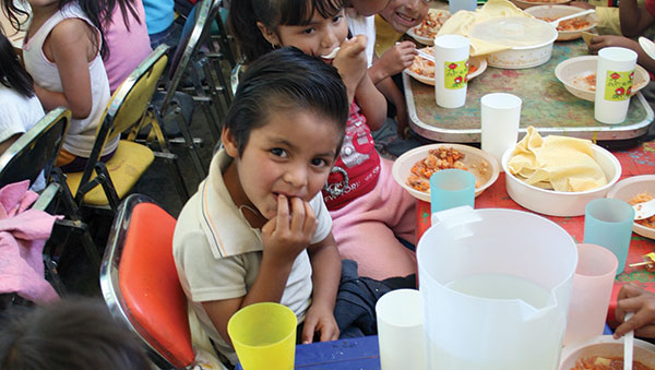 Mexico Children Eating at Compassion Project