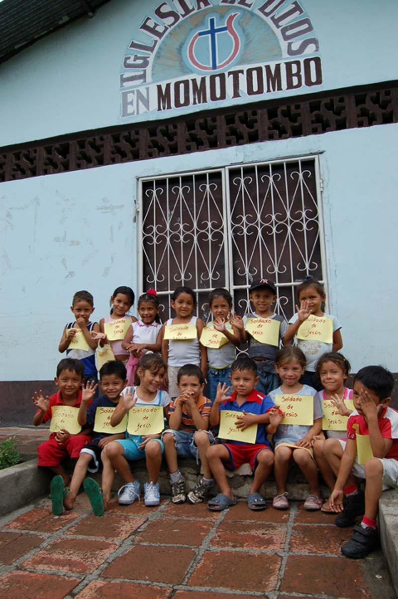 Nicaragua Children Holding Signs