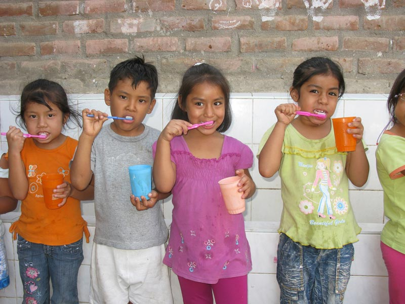 Peru Children With Toothbrushes