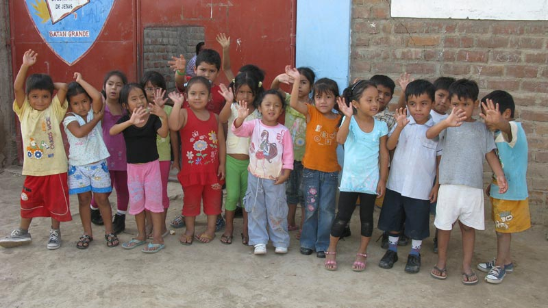 Peru Group of Children Waving