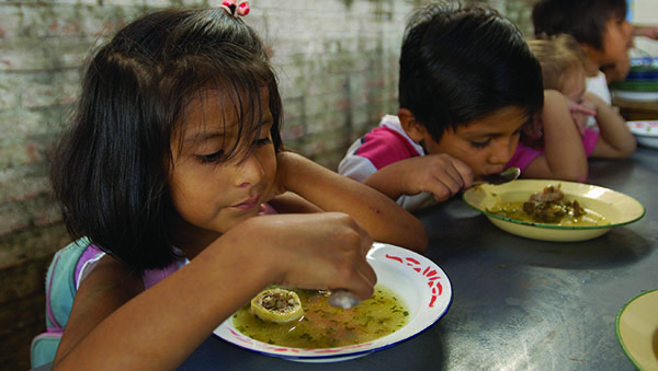 Bolivia children eating