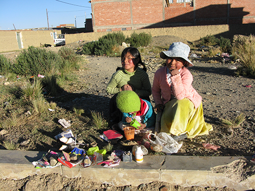 bolivia girls selling by road
