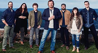 Picture of members of Casting Crowns